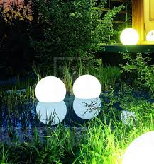 lampu hias taman: Model lampu hias taman minimalis