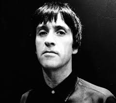 interview johnny marr marr sees it as a duty to be political that creatives have a responsibility to commentate on society i m not by nature someone who will go on the attack