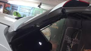 Электропривод двери багажника. Установка - YouTube