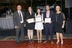 كندا - ثلاثة طلاب من أصل لبناني مُنحوا جائزة جبران تويني في بريتش كولومبيا