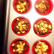 Snickersbrownies med mindre socker | Susannes skafferi | SVT.se