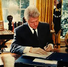 bill clintonbill clinton oval officethe raleigh degeer amyx collectionthe american bill clinton oval office