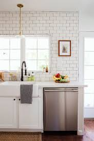 Small Kitchen Makeovers 17 Best Ideas About Small Kitchen Makeovers On Pinterest Kitchen