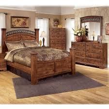 4 piece queen bedroom set in brown cherry nebraska furniture mart bedroom set light wood vera