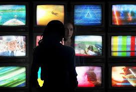 """""""Чудо-<b>женщина</b>: 1984"""" выйдет одновременно в кинотеатрах и в ..."""