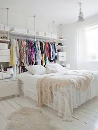 bedrooms small bedrooms and coral on pinterest chic small bedroom ideas