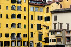 Risultati immagini per case gialle