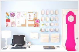 describe bright home office design