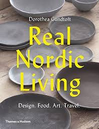 <b>Real Nordic Living</b> – Mid Century Books