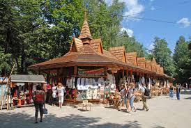 Картинки по запросу сувенирный рынок у водопада Пробий