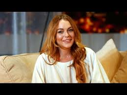 Lindsay Lohan Debuts New Accent and Confuses Her Fans - YouTube