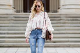 <b>High Waisted</b> Jeans Outfits for Every Body Type