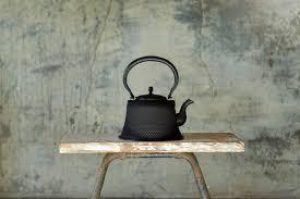 The Japanese <b>Cast</b> Iron Teapot Explained - Gessato
