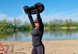 <b>Sandbag</b> (<b>сэндбэг</b>): плюсы, минусы + 25 упражнений (фото)