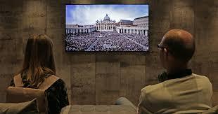 <b>Телевизоры QLED</b>: что это такое, чем они хороши и стоит ли их ...