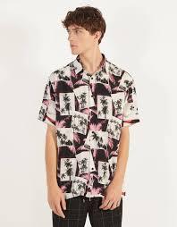 <b>Мужские рубашки</b>: с принтом, однотонные, в <b>клетку</b> и в полоску ...