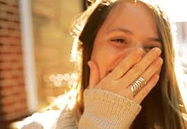 Silvina Moreno es una joven cantante. multinstrumentista y compositora. A los diez años descubrió su pasión por cantar y comenzó su búsqueda para ... - ep004202_1