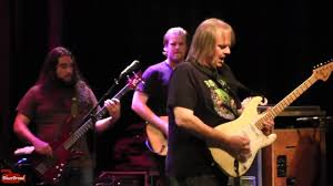 <b>WALTER TROUT</b> • We're All In This Together • Sellersville Theater 7 ...