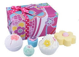 Bomb Cosmetics <b>Flower</b> to the People Handmade Wrapped Gift ...