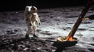 5 Terrifying Moments During the Apollo 11 Moon Landing Mission ...