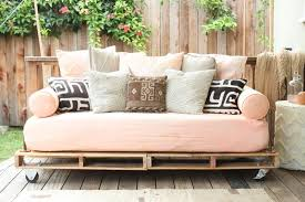 26 amazing diy wood pallet furniture projects 03 amazing diy pallet furniture