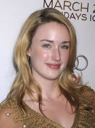 Quelle: http://www.thecelebrityhaircuts.com/ashl...<b>ashley-johnson</b>/ - 60q1-wr-a1d5