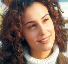 """Arzum Onan Hakkında Kısa Bilgi: Güzel sanatçı Nisan 1993′te """"Miss Turkey"""" yarışmasında """"Türkiye Güzeli"""", aynı yılın Temmuz ayında yapılan """"Miss Europe"""" ... - arzum-onan-kimdir"""