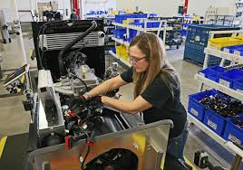 massachusetts women s full time median wage 81 percent of men s manufacturers seek women for hard to fill jobs