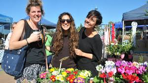 out and about on saturday photos port macquarie news tasha salm ebru holman and laura fealy at the foreshore markets