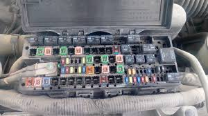 ford f 150 underhood fuse box rpm automotive ford f 150 2010 fuse box jpg