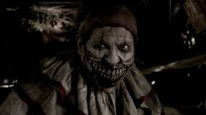 scariest haunted houses in los angeles big boy s neighborhood here s a list of our favorite haunted houses and attractions for you but make sure you re ready to get scared and probably have nightmares horror nights