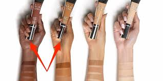 BECCA Cosmetics responds to accusations of editing model's <b>hand</b> ...