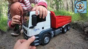 Дети и <b>машинки</b>, игрушки <b>Bruder</b>, самосвал и <b>погрузчик</b>-лесовоз ...