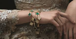 The Five <b>New</b> Pieces in the 'Alhambra' Collection by <b>Van Cleef</b> ...