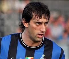 Sono passati solo 17 mesi da quel maggio 2010 quando, con 4 gol decisivi, Diego Milito regalava all'Inter il triplete (Coppa Italia, Campionato e Champions ... - 3021_diego_milito