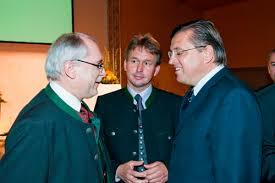 RLB-Vorstandsdirektor Johann Jauk, Verbandsobmann Franz Titschenbacher, Bauernbund-Präsident NAbg. Fritz Grillitsch (v. li.) - Presse_VT10-02_72dpi