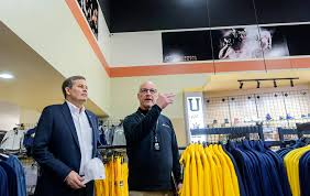 u s sen steven daines sees the nmtc at work during tour of new out financing through first interstate bank montana idaho community development corporation and the new markets tax credits program