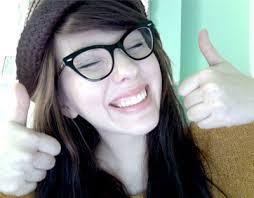 نظارات طبية للصبايا الأمامير غير شكل images?q=tbn:ANd9GcR
