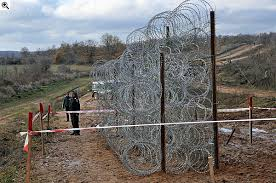 Risultati immagini per muro in Ungheria