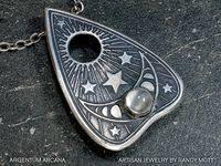 11 <b>Ouija</b> Board Ideas | Vintage Designs | <b>ouija</b>, <b>ouija</b> board, spirit ...