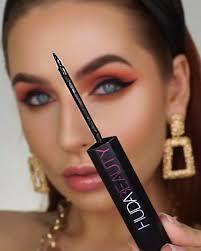 <b>Hoodie</b>… [Video] | Best makeup products, Perfect makeup, Eye ...