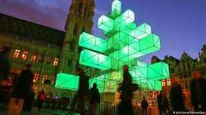 ′Ugly′ <b>metal Christmas</b> tree riles many Belgians | Europe| News ...