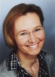 <b>Birgit Funke</b>. Pfarramtssekretärin. Annette Laub verwitwet, ein Sohn - sekretaerin_Birgit%2520Funke