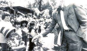 not everyone s on seuss newshour dr seuss on his last to his hometown of springfield massachusetts in 1986