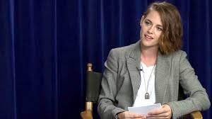 kristen stewart hilariously shows how frustrating interviews are jesse eisenberg faces unusually sexist questions in interview kristen stewart