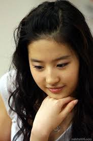 Liu yi fei song - liu yi fei http://www.youtube.com/watch?v=DXpEYIAskE0 - 1283273467