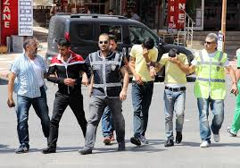 Çaldıkları parayla dövme yaptıran zanlılar tutuklandı