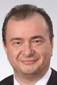Manfred Ries (47) mit Wirkung zum 1. Juli 2011 zum Vorsitzenden der Geschäftsführung der Auto-Teile-Unger-Gruppe bestellt. Ries gehört dem Unternehmen seit ... - 25876