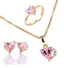 Resultado de imagem para pulseiras brincos e colares rosa