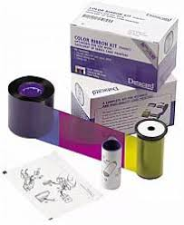 <b>Набор для печати</b>: полноцветная лента YMCKT, чистящий ролик ...